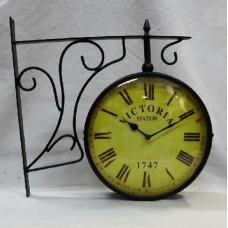 Часы станционные двухсторонние VICTORIA STATION 1747
