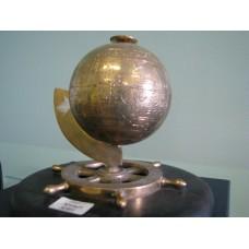 Глобус на штурвале