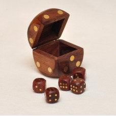 Игральные кости в кубике