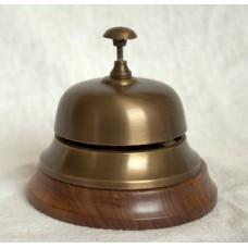 Звонок офисный. на деревянном основании