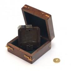 Компас London 1917 квадратный в деревянном футляре