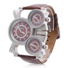 Кварцевые часы с тремя циферблатами