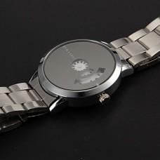 Модные черные бинарные часы