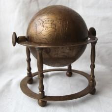 Глобус на четырех опорах