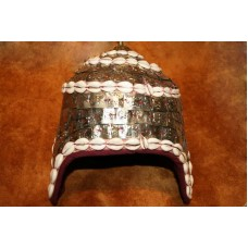 Шапочка-шлем, с посеребренными символами
