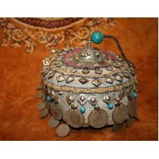 Шапочка афганской принцессы с кисточкой
