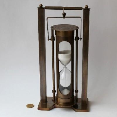 Песочные часы высотой 9 дюймов на карданном подвесе