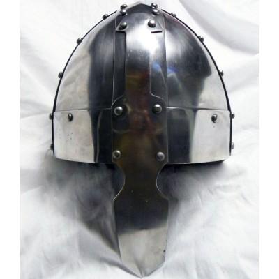 Нормандский рыцарский шлем