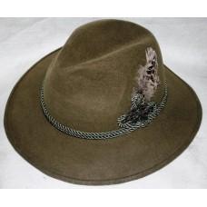 Шляпа фетровая с пером